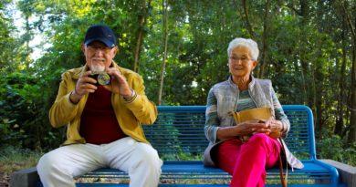 Co dobrego wnoszą w życie dziecka dziadkowie?